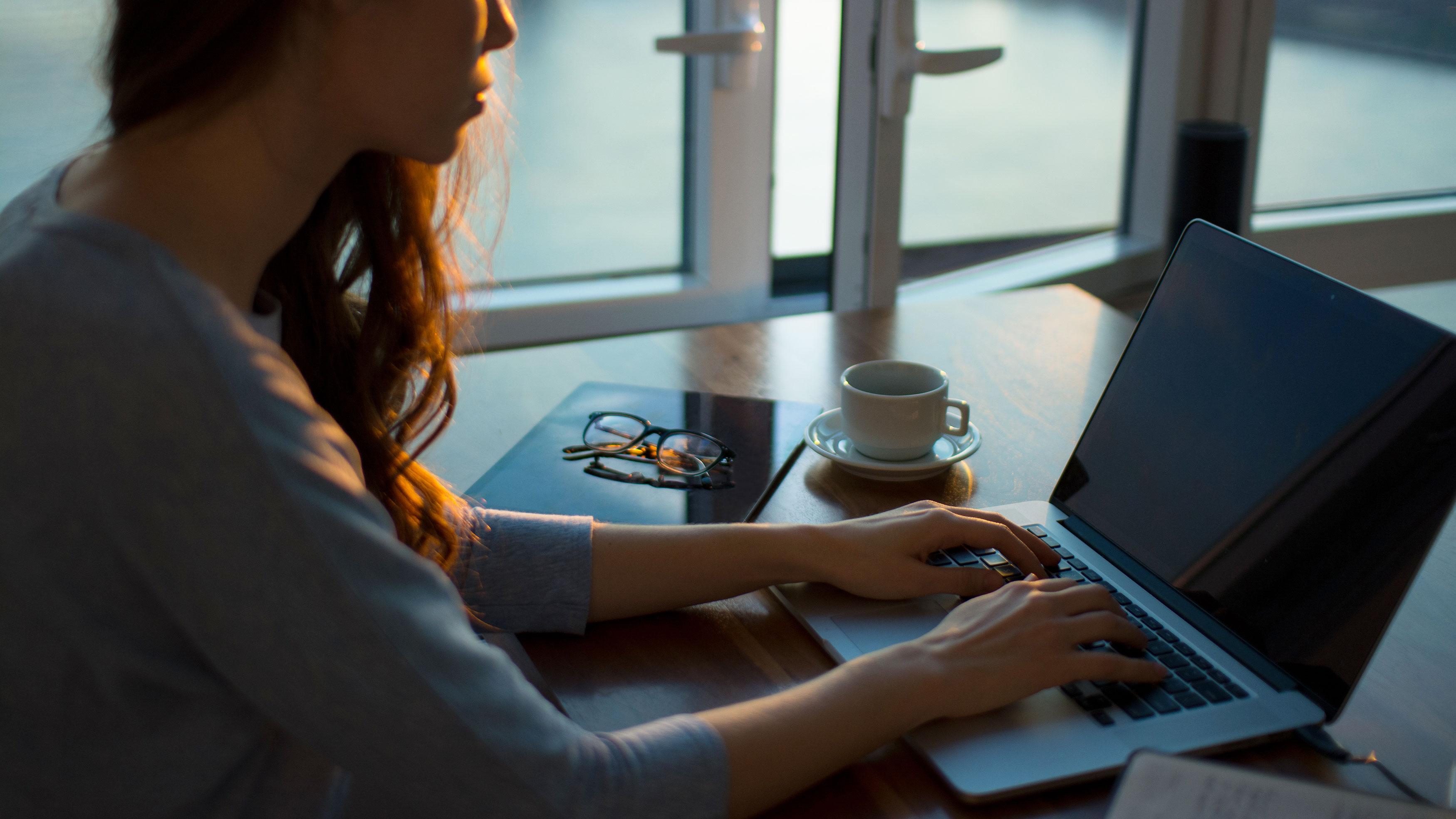 <html>  <head></head>  <body>   <p>Votre carrière vous tient en haleine constamment? Vous aimeriez trouver le temps au milieu de ce rythme effréné pour perfectionner votre anglais? Le <em>e-learning</em> est la solution toute désignée pour vous.</p>   </body> </html>